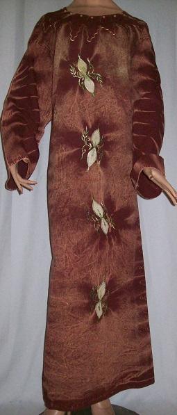 langes Frauenkleid XL